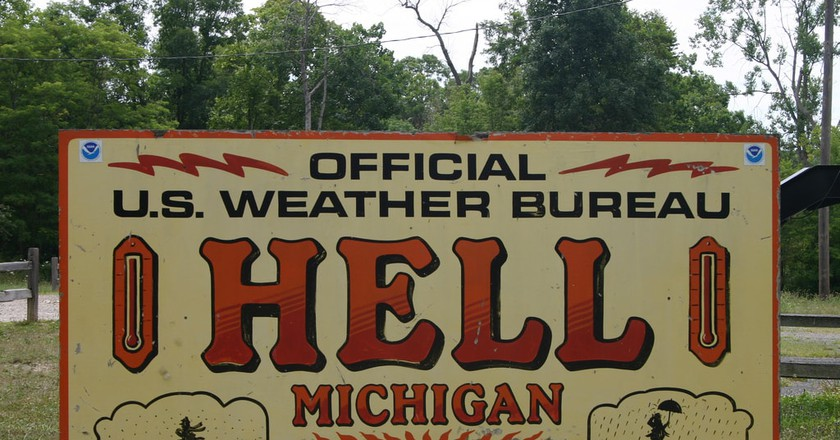 Welcome to Hell, Michigan   © Danielle Walquist Lynch / Flickr
