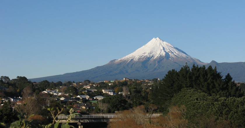 Mount Taranaki | ©Andrew and Annemarie/Flickr