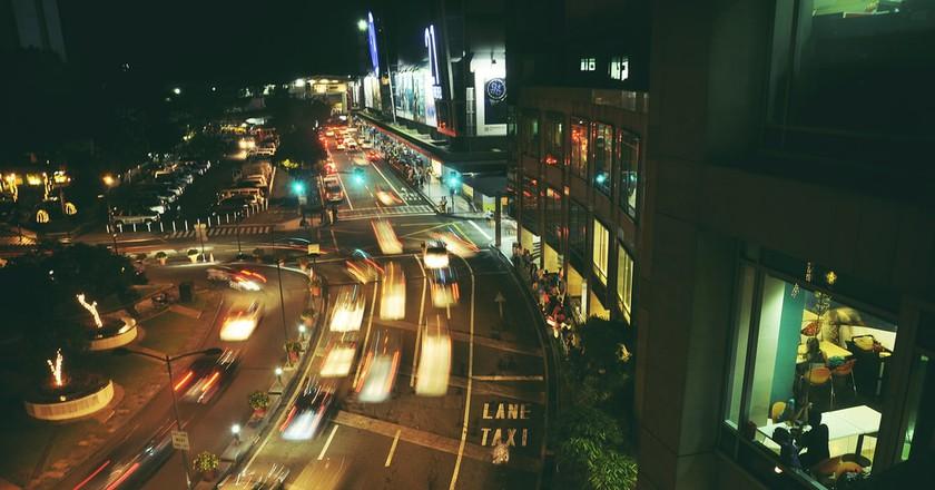 Traffic around Glorietta, Makati City, Metro Manila | © Andrew Subiela/Flickr