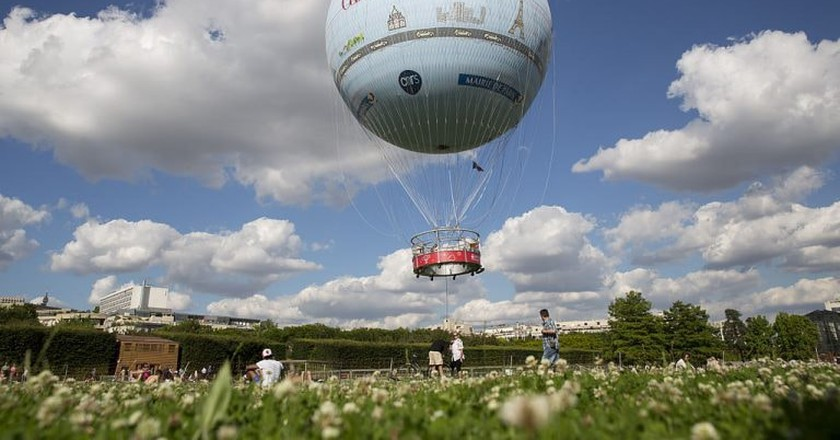 Hot-air balloon rides over Paris   ©Aero4 / WikiCommons