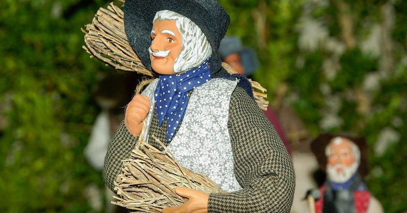 Santons are terracotta figures that depict everyday Provençal life   © jackmac34/Pixabay