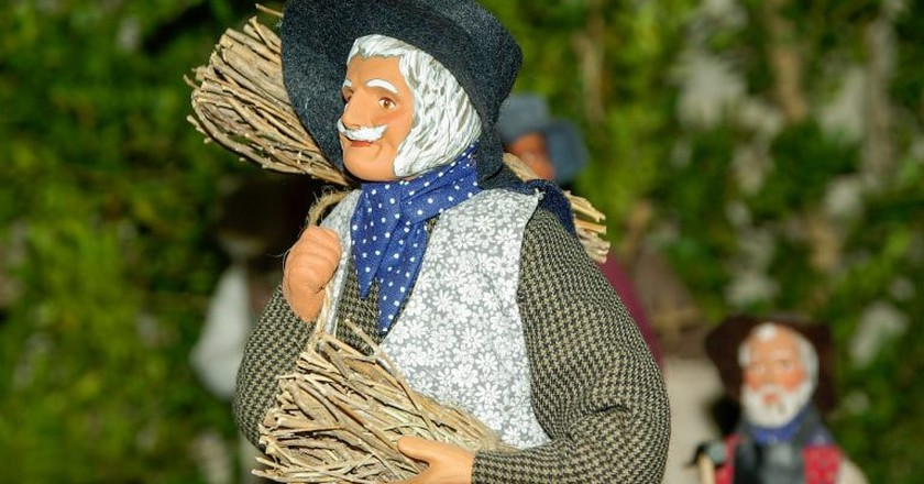 Santons are terracotta figures that depict everyday Provençal life | © jackmac34/Pixabay