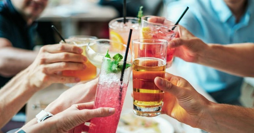 Cocktails   © bridgesward / Pixabay