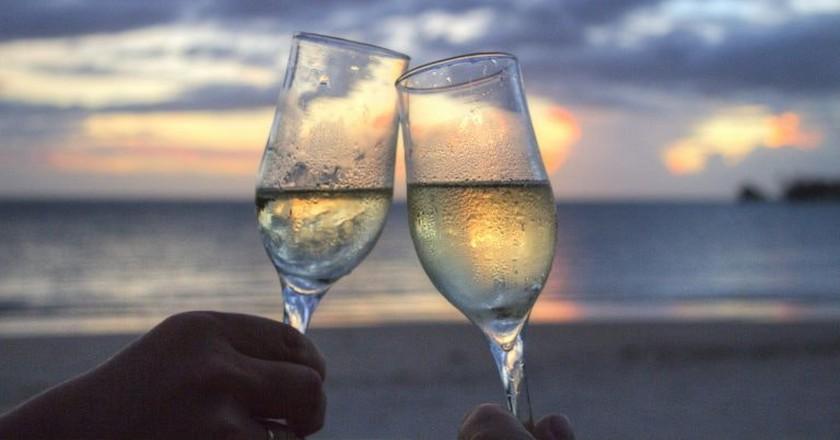 Champagne glasses   © Holgi / Pixabay