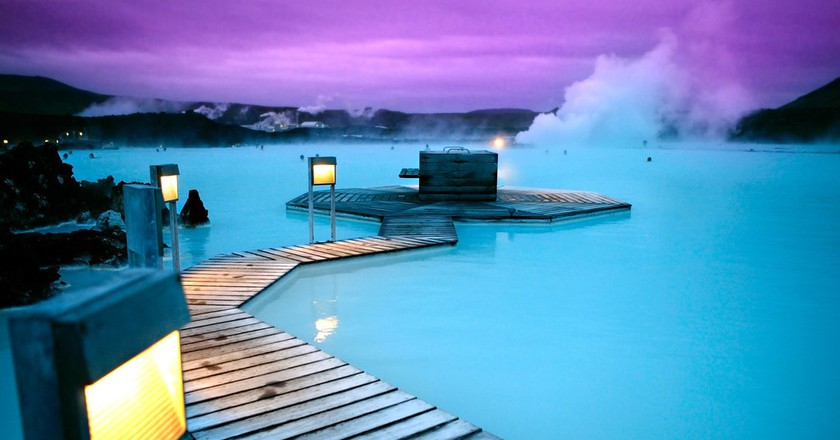 Thermal springs blue lagoon Reykjavik Iceland | © Expedia