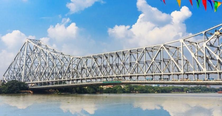 Howrah Bridge, Kolkata   © SwadhinManov / Pixabay