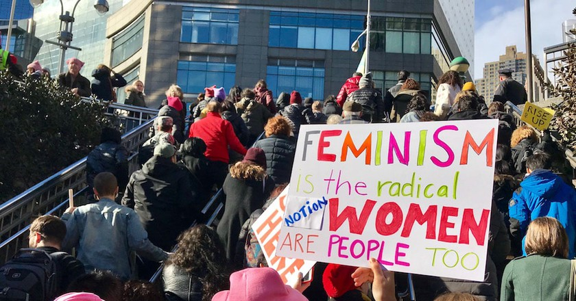 Protesters joining the Women's March 2018 at NYC's Columbus Circle | © Nikki Vargas