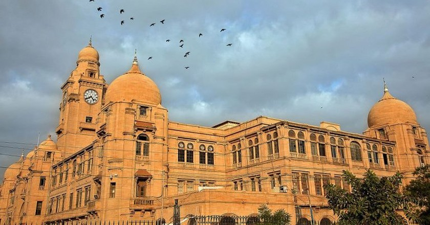 Karachi Municipal Corporation (KMC) Building | © Furqanlw/WikiCommons