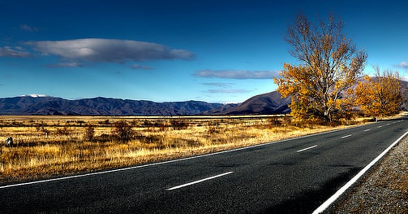 Kiwi Roadtrip | © Bernard Spragg. NZ / Flickr