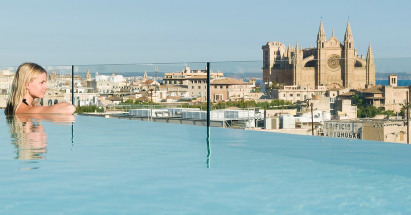 Rooftop pool at Nakar Hotel | Courtesy of the hotel