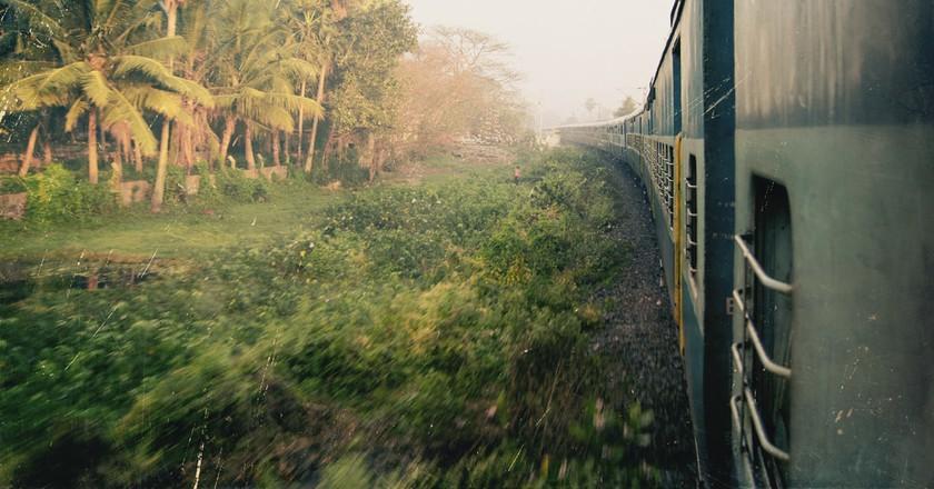 Scenic train ride, India | © island7/Shutterstock