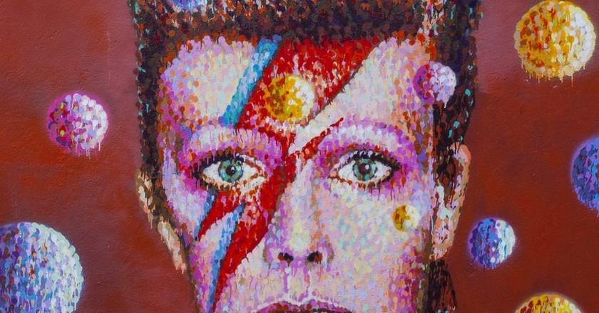 Graffiti of David Bowie as Ziggy Stardust | © Chris Dorney / Shutterstock