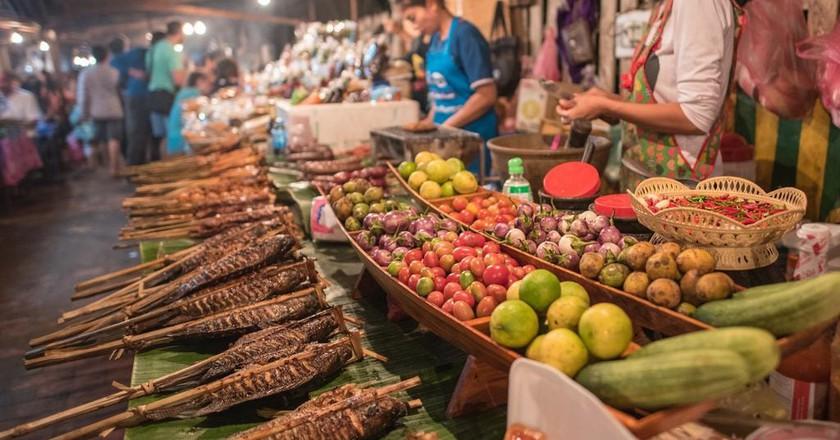 Street Food   © filmlandscape/Shutterstock