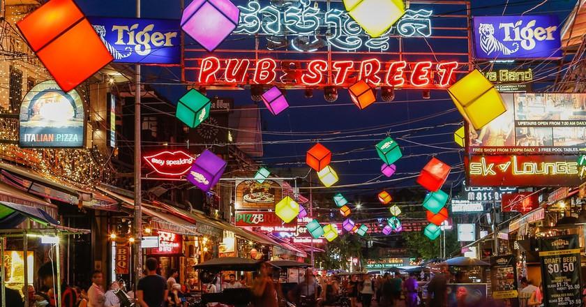 Pub Street   © mikecphoto/Shutterstock