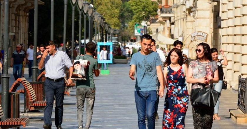 Nizami Street in Baku where most locals and tourists go to | © Alizada Studios/Shutterstock