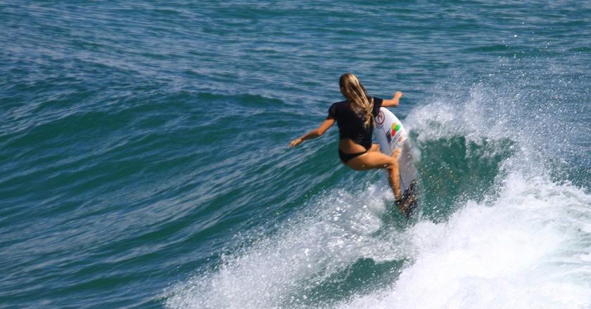 Surfer at Snapper Rocks | © Rod Marshall/Flickr
