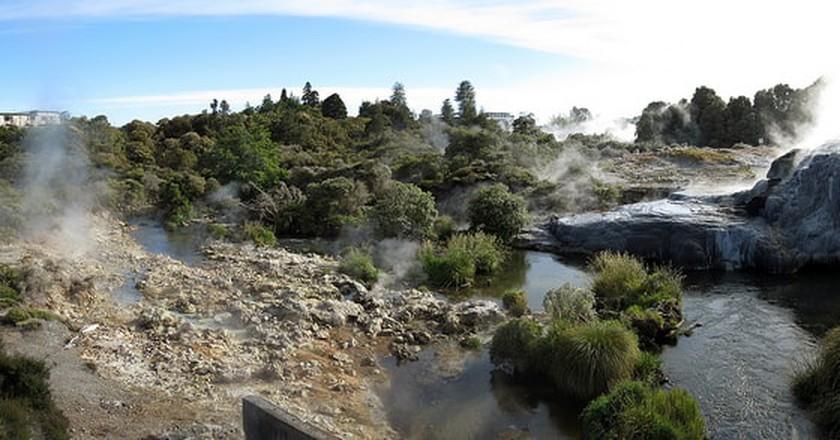 Te Puia, Rotorua  © Robert Linsdell / Flickr