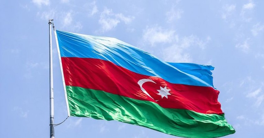 Flag of Azerbaijan | © AlixSaz/WikiCommons