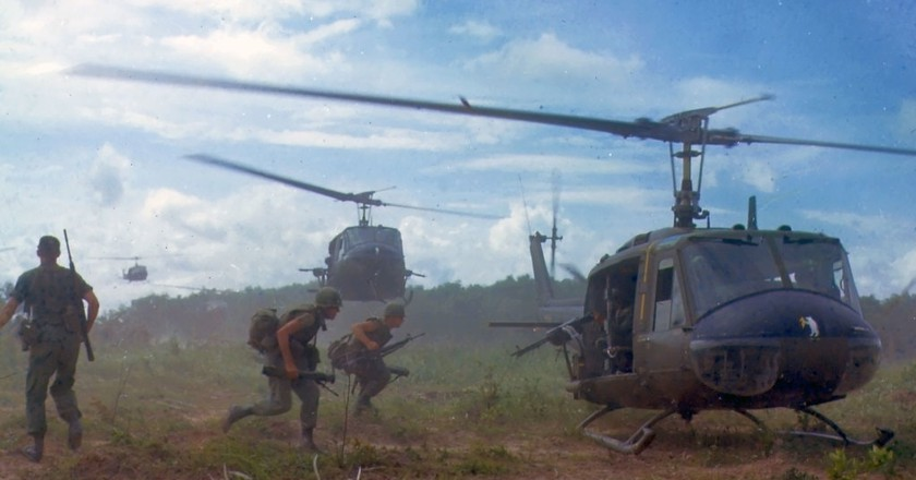 American Huey helicopters evacuating troops   © James K. F. Dung/WikiCommons