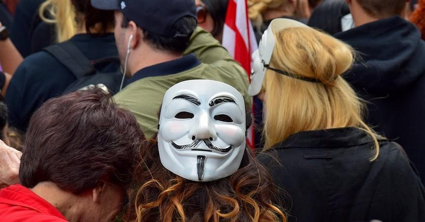 Wearing masks at demonstrations is illegal | © bones64 / Pixabay