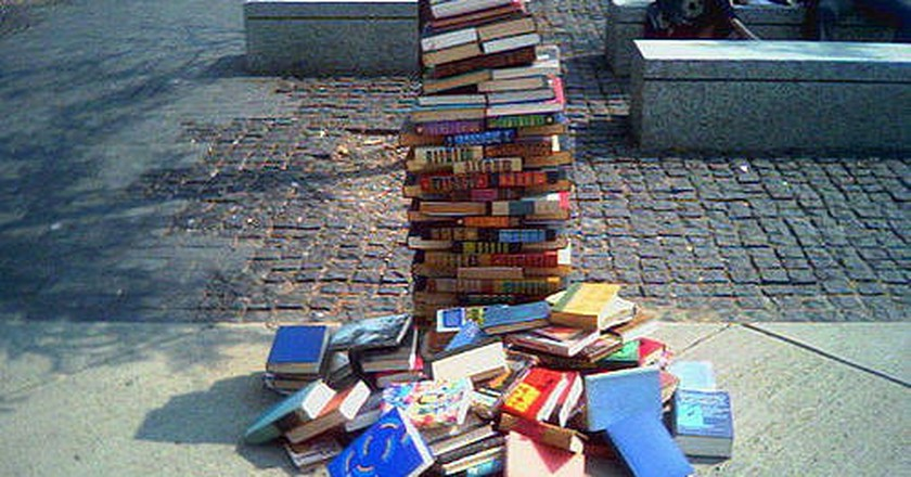 Pile of books © Aaron Suggs/Flickr