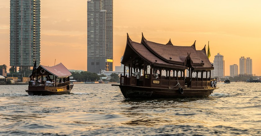 Boats on Bangkok's Chao Phraya River   © Ninara / Flickr