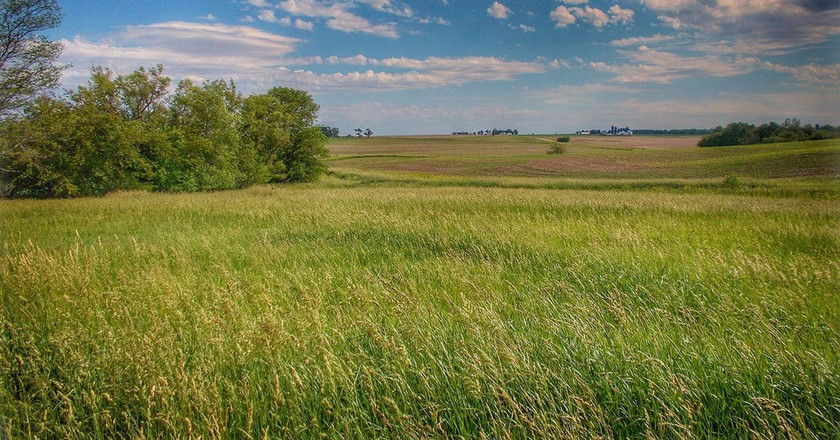 A beautiful scene of the prairie in Central Illinois | ©Ron Frazier / Flickr / Derivative from original
