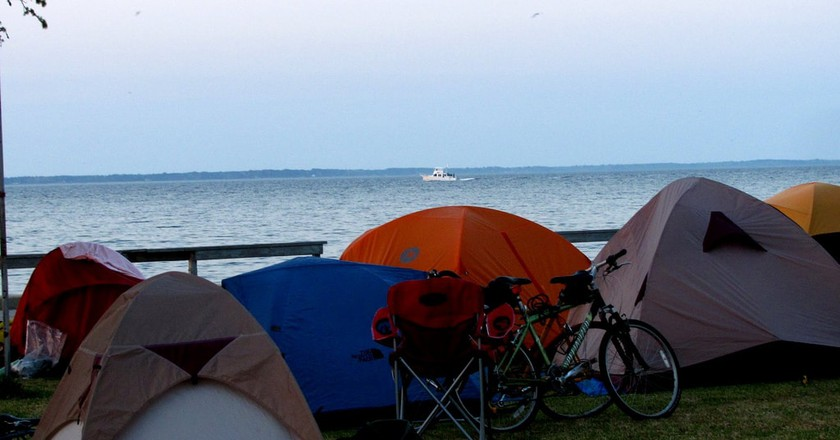 Waterfront camping   © -ted/Flickr