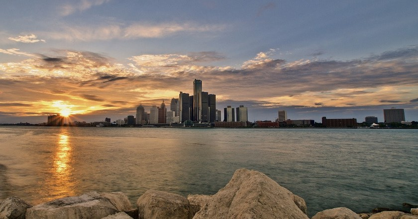 Enjoy Detroit's skyline from a river cruise | © geniuserp/Pixabay