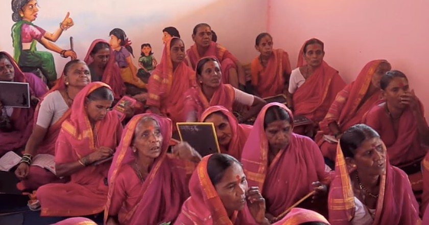 Aajibaichi Shala, the first school for grandmothers in India | © Firstpost / YouTube