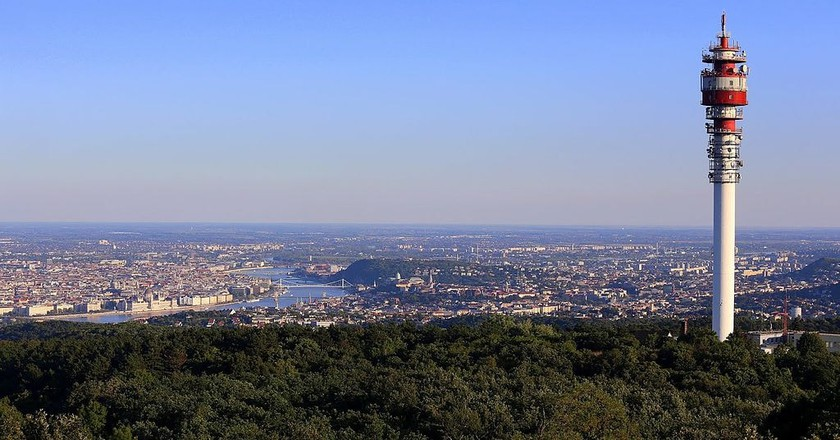 Hármashatár Hill   © Thaler Tamas, Wikimedia Commons