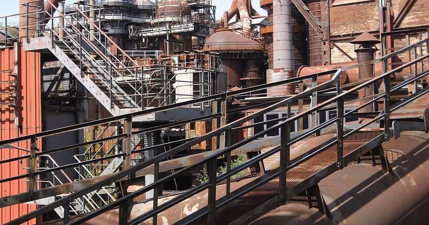 © MALCOLUMBUS / Pixabay https://pixabay.com/en/industrial-monument-ironworks-1667191/