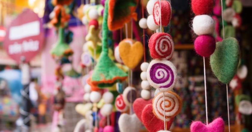 Fabric handicrafts   © Rebecca Zaal/Pexels
