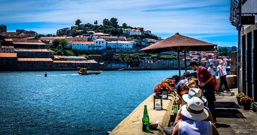 Dining by Porto's river © Pixabay