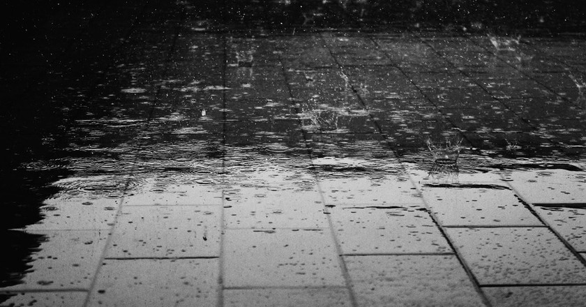 rain on the pavement | ©Giuliamar / Pixabay