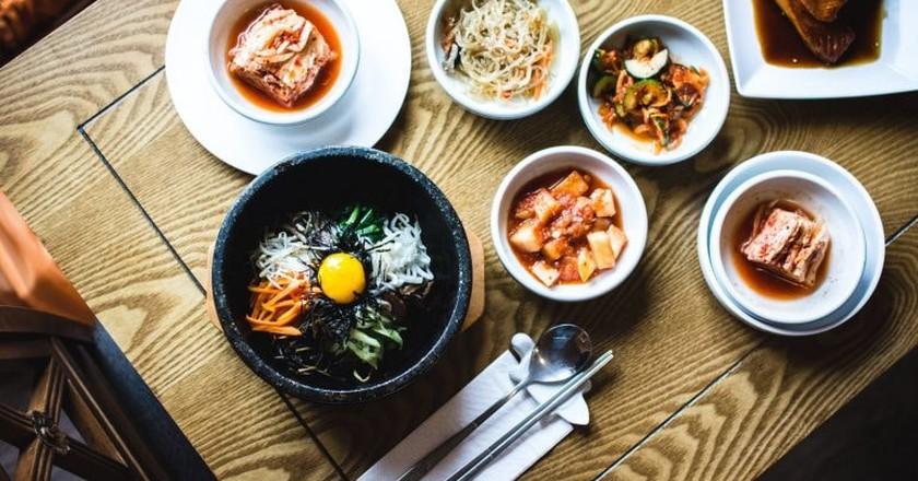 Korea's colorful and delicious bibimbap | © Jakub Kapusnak / Unsplash