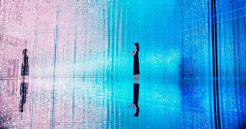 Wander through the Crystal Universe | Courtesy of teamLab