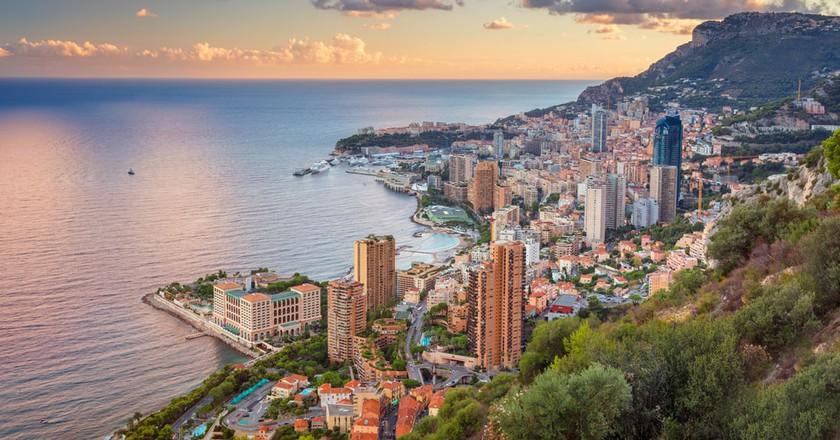 The Meditteranean skyline of a city meeting its limits |© Rudy Balasko/Shutterstock