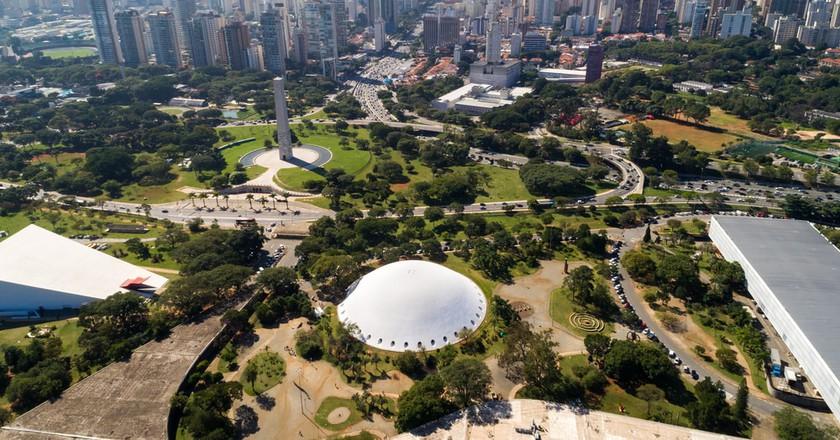 Ibirapuera park with the Sao Paulo skyline | © Felipe Frazao / Shutterstock