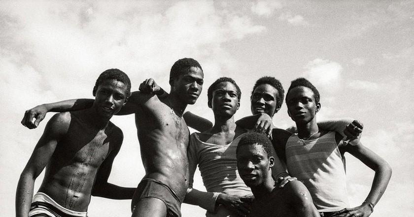 """À la Plage"" (1974) | © Malick Sidibé"