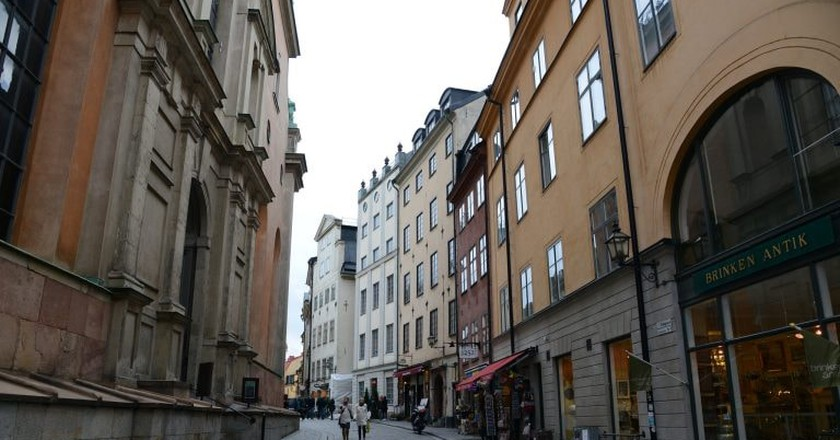 Storkyrkobadet is tucked away on one of Gamla Stan's cobbled streets | © Jorge Lascar / Flickr