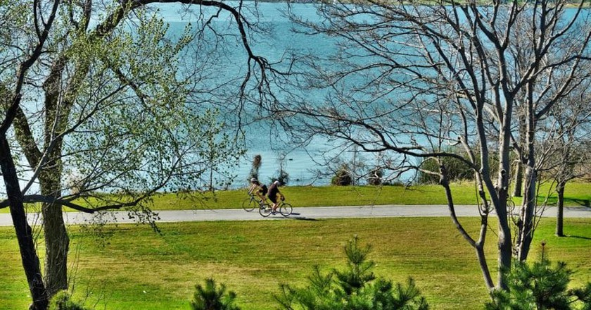 White Rock Lake has a bike trail that offers spectacular views of the lake