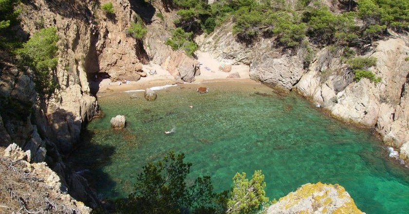 There are many hidden coves in the Costa Brava