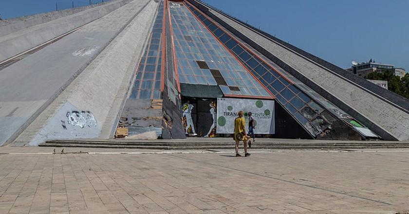 The Pyramid of Tirana| ©Bruno Vanbesien/Flickr