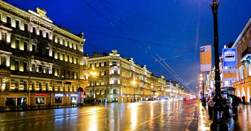 Nevsky prospekt at night| © ninara/Flickr