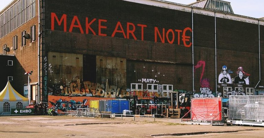 Street art in NDSM-Wharf