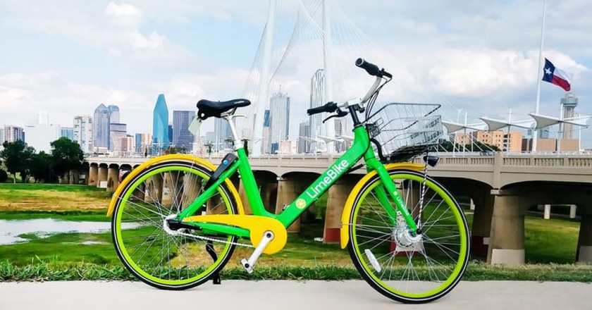 There are 20,000 dockless bikeshare bikes in Dallas like those provided by LimeBike