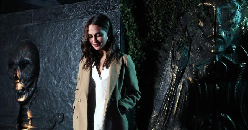 Alicia Vikander, Oscar-winning unveils 'Tomb Raider Escape' © Warner Bros.