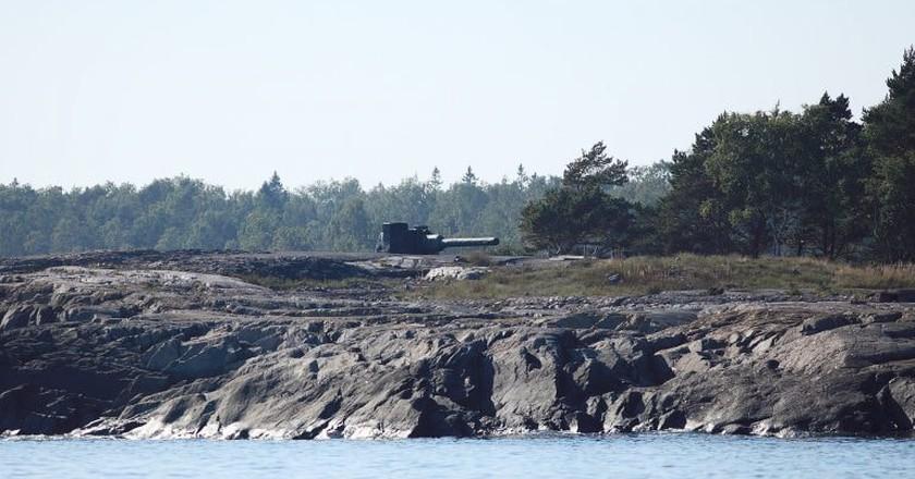A decommissioned gun on Isosaari.