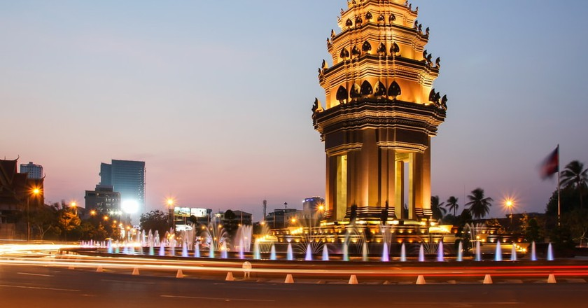 Independence Monument, Phnom Penh © small1/ Shutterstock.com
